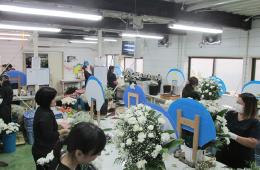 葬儀や法事などで飾る供花制作